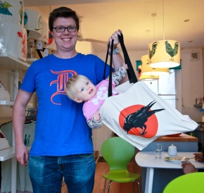 Captured on the Rye tote-bags are Über-hip and Über strong!